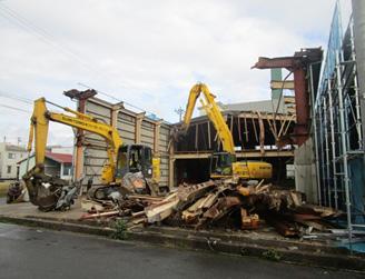鉄骨造3階建て店舗解体