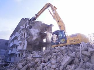 鉄筋コンクリート造4階建てマンション解体